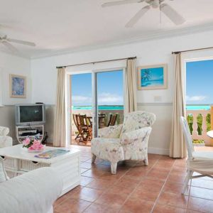 Emerald-Shores-Guesthouse-Upper-Level-Living-area