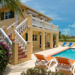Emerald Shores Guesthouse and Pool
