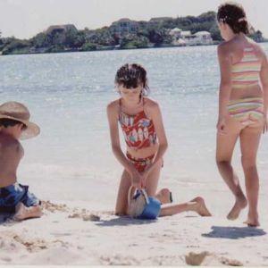 Taylor-Bay-Beach-with-Children